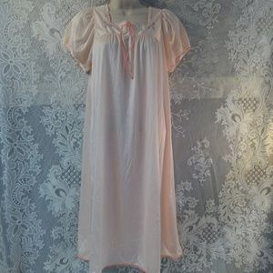 Vassarette 1960s Nightie Night Gown Lingerie
